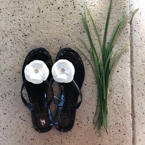 Kurt Geiger flip flops